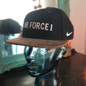 flat-bill snap back/ suede bill -  Nike Air Force
